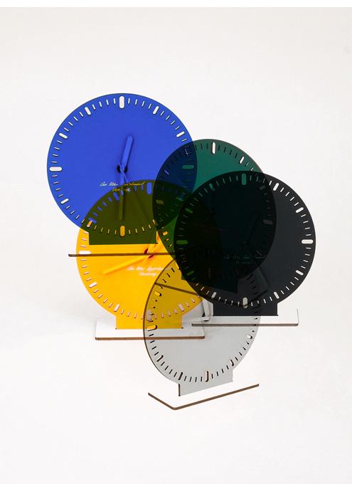Vandasye_Monoqi_Cardboard_Clock