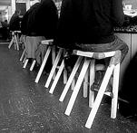 Jerszy-Seymour_-bar-stools_Hallmackenreuther